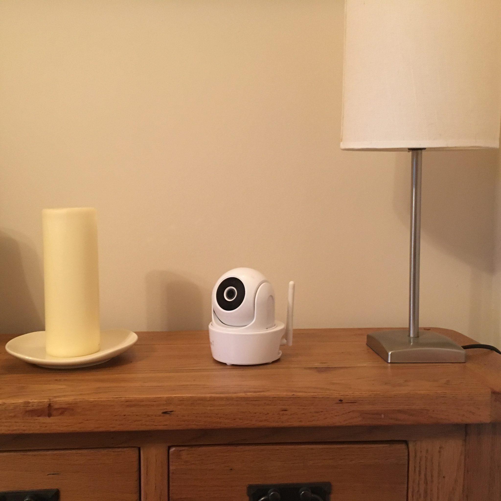 SMART-i WiFi HD Indoor Pan Tilt Camera with PIR